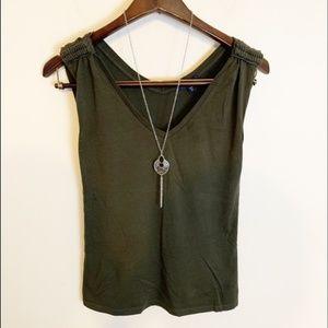 Gap sleeveless top size small 100% pima cotton
